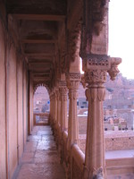 041211043158_haveli_balcony
