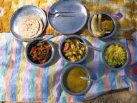 041208232148_my_lunch_in_bikaner_desert