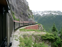 06150086_white_pass_train