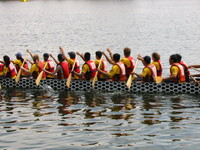 1070789_go_go_dragon_boat