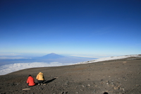 071024073758_watching_mountain_meru