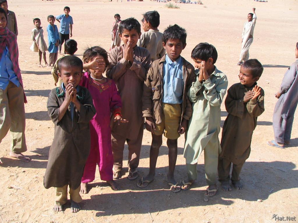 kids in desert, children in desert : 100 Thousand Photos