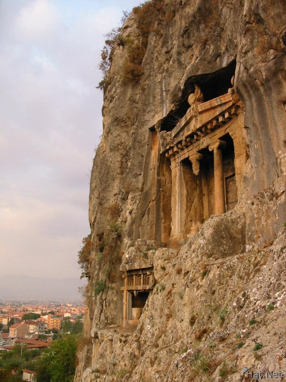 cliff side tombs, tomb of amyntas : 100 Thousand Photos