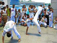 20091114131420_view--capoeira_fighting