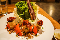 20150927203028_Food--La_Estaciansa_salad
